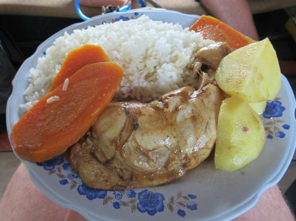 2019-09-peru-gastronomia-pacaya-samiria-pollo