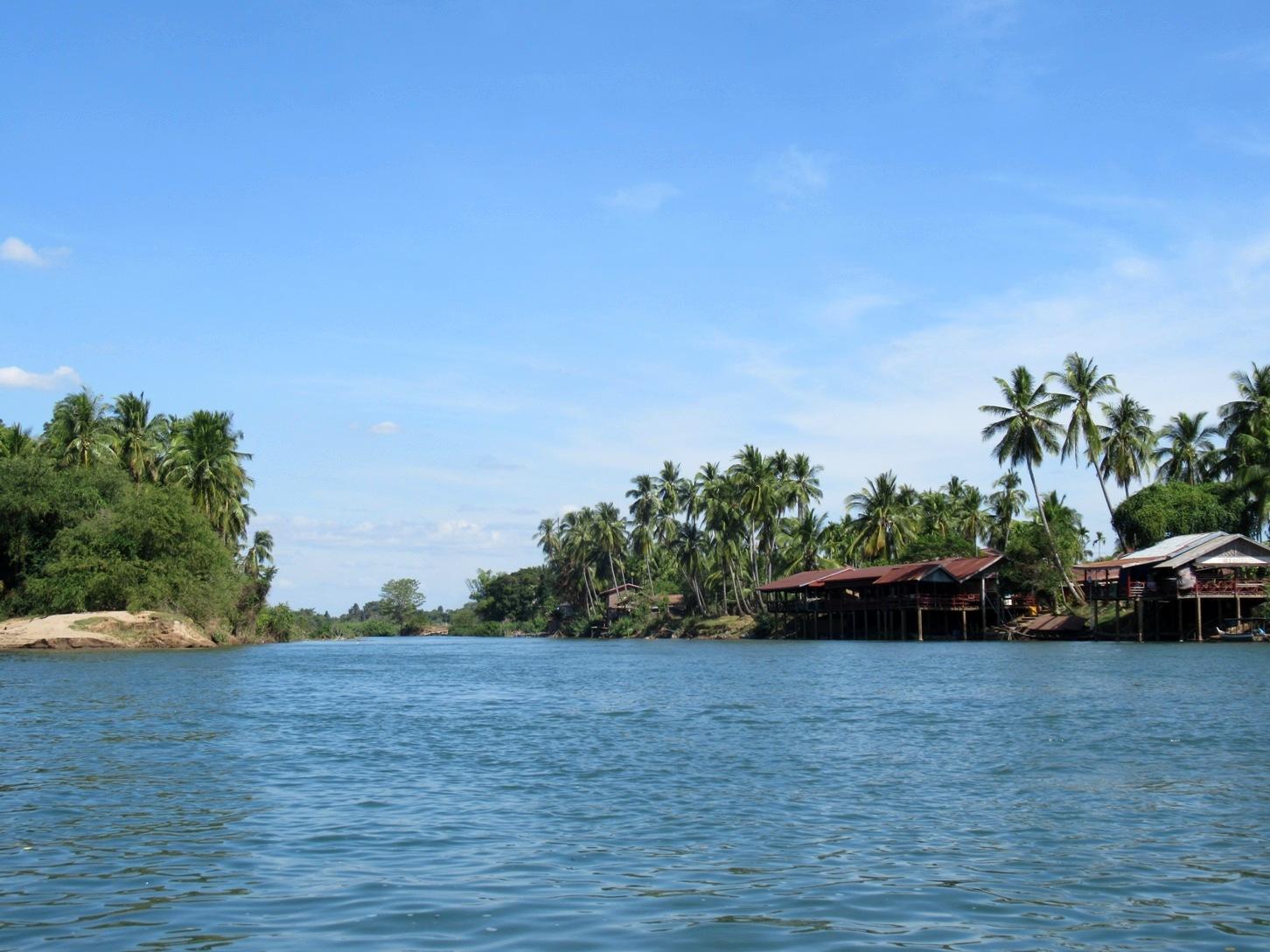 2019-12-laos-si-phan-don-don-det-02-tubing-en-barca-al-norte