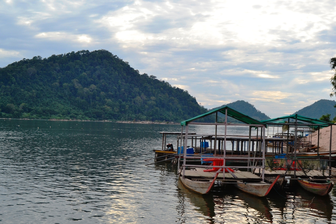 2019-12-laos-si-phan-don-Khone-04-ban-hang-khon-paseo-barca