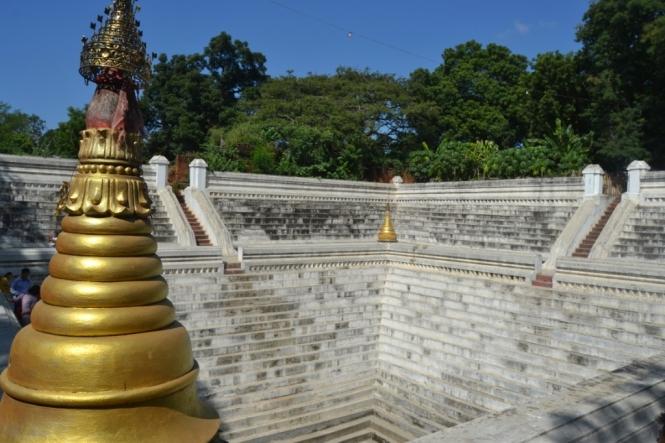 2019-10-myanmar-amarapura-mahar-sandar-muni-pagoda-2