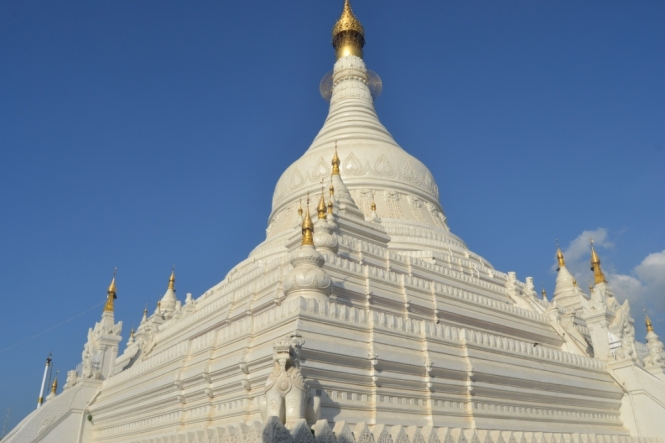 2019-10-myanmar-amarapura-pahtodawgyi-pagoda-3