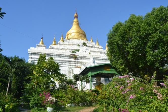 2019-10-myanmar-amarapura-shwe-lin-pin-pagoda