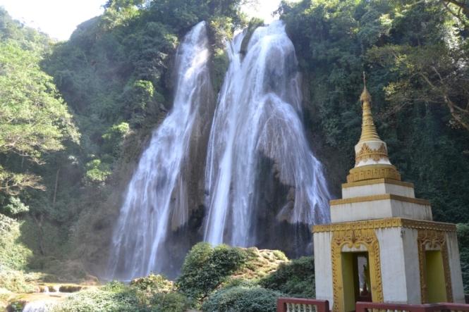 2019-10-myanmar-anisakan-dat-taw-gyaint-4