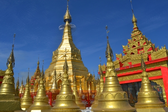 2019-10-myanmar-indawgyi-shwe-myitzu-pagoda-kayak-15
