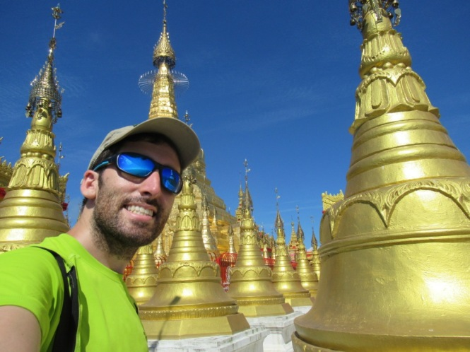 2019-10-myanmar-indawgyi-shwe-myitzu-pagoda-kayak-17