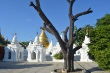 Mandalay - Kuthodaw Pagoda