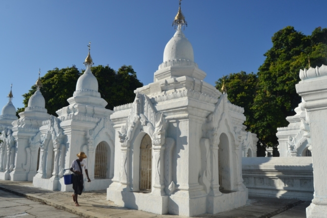 2019-10-myanmar-kuthodaw-pagoda-5