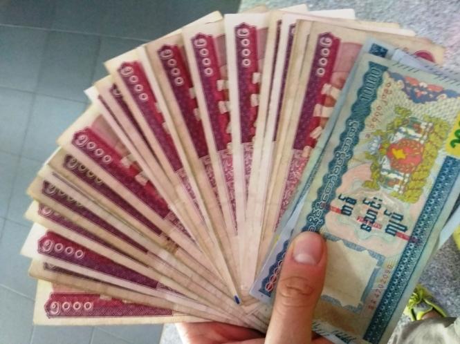 2019-10-myanmar-mandalay-dinero-1