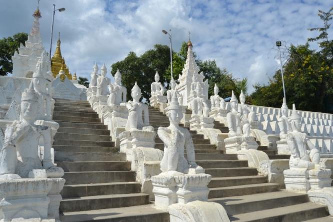 2019-10-myanmar-Mingun-pondaw-paya-2