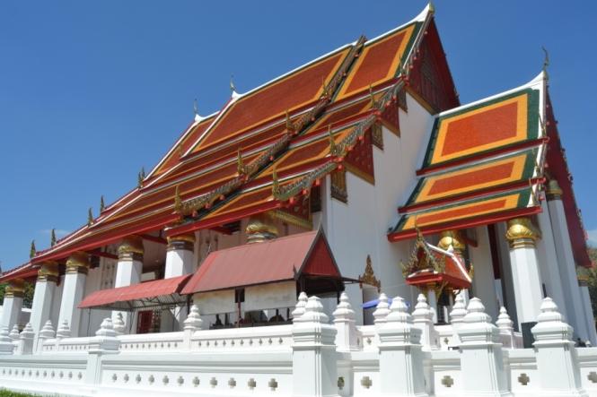 2019-10-tailandia-ayutthaya-phra-mongkhon-bophit-2