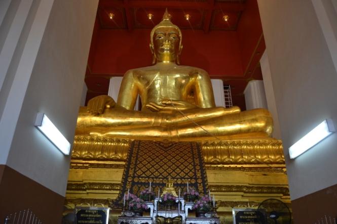 2019-10-tailandia-ayutthaya-phra-mongkhon-bophit-7