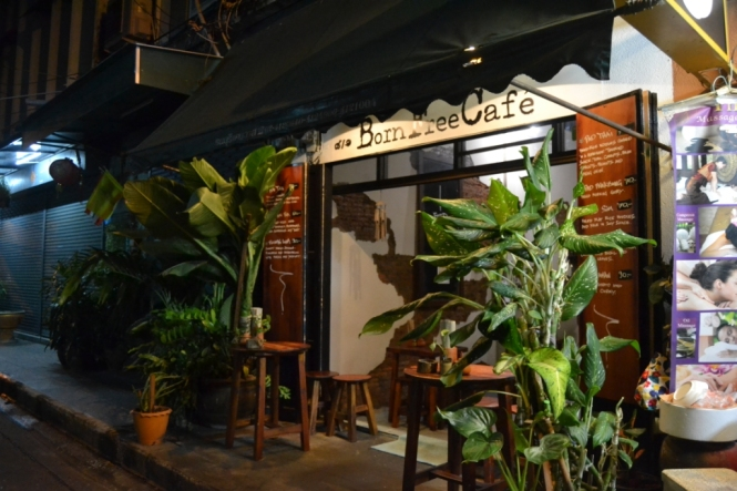 2019-10-tailandia-bangkok-banglamphu-born-free-cafe-3