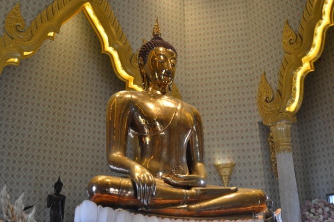 2019-10-tailandia-bangkok-chinatown-09-wat-traimit