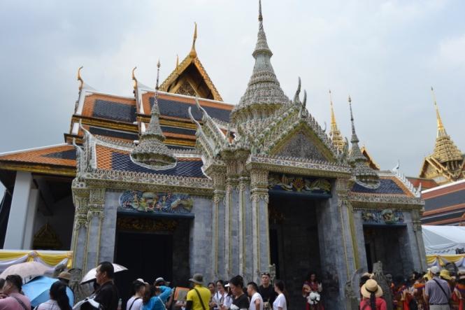2019-10-tailandia-bangkok-gran-palacio-01-puerta-china-porcelana