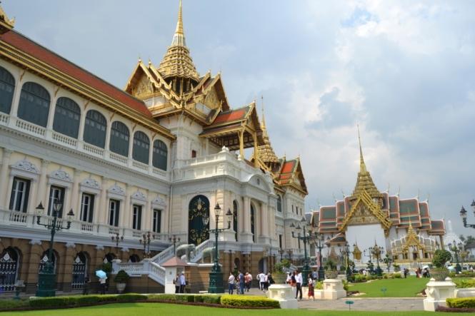 2019-10-tailandia-bangkok-gran-palacio-02-chakri-maha-prasat