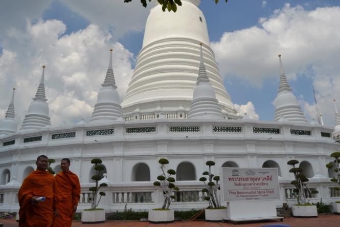 2019-10-tailandia-bangkok-prayoon-01-estupa