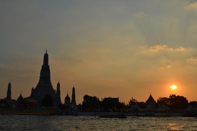 2019-10-tailandia-bangkok-wat-arun-16-ESS