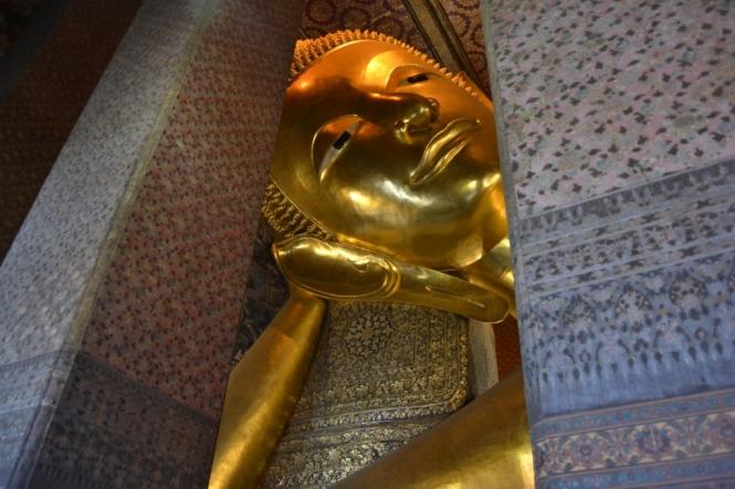 2019-10-tailandia-bangkok-wat-pho-dia-04-buda-reclinado