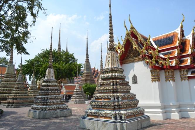 2019-10-tailandia-bangkok-wat-pho-dia-11-exterior-bot