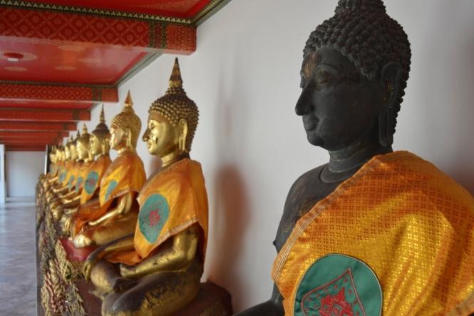 2019-10-tailandia-bangkok-wat-pho-dia-13-patios-bot