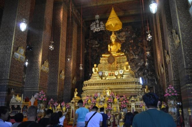 2019-10-tailandia-bangkok-wat-pho-dia-14-capillas-bot