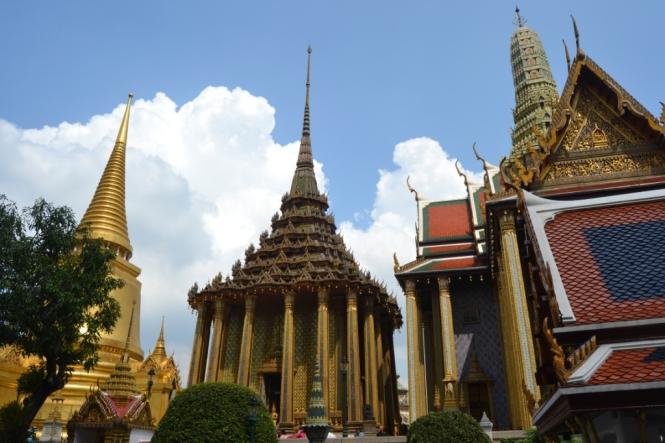 2019-10-tailandia-bangkok-wat-phra-kaew-06-Phra-Mondop