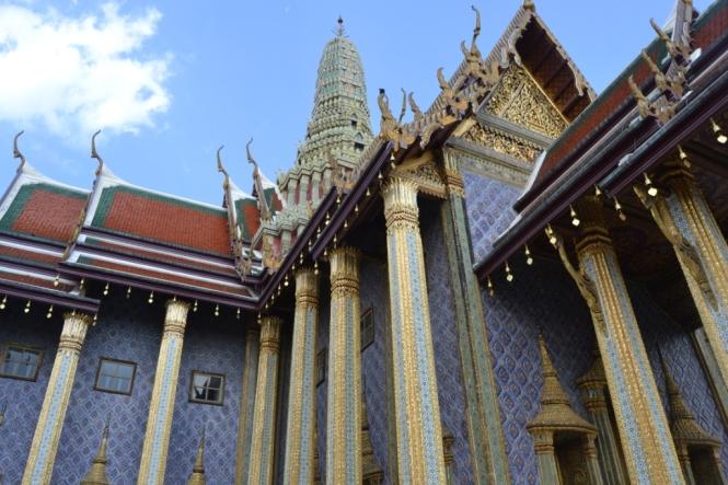 2019-10-tailandia-bangkok-wat-phra-kaew-09-prasat-phra-dhepbidorn