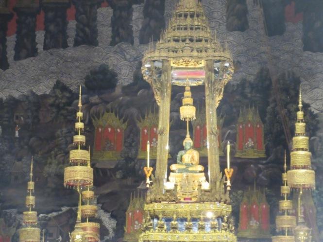 2019-10-tailandia-bangkok-wat-phra-kaew-15-bot-buda-esmeralda