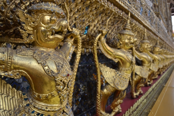 2019-10-tailandia-bangkok-wat-phra-kaew-17-bot