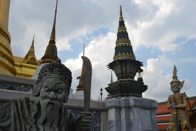 2019-10-tailandia-bangkok-wat-phra-kaew-17-Phra-Viharn-Yod