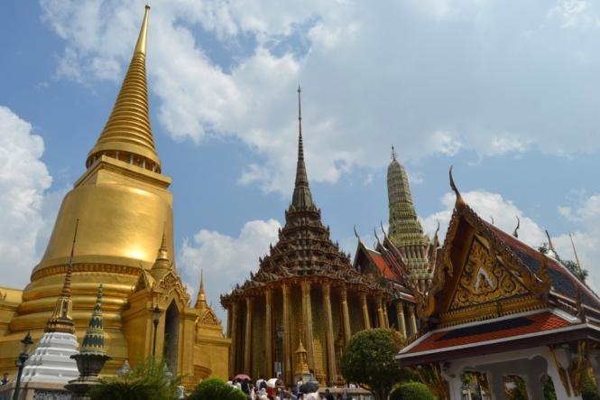 2019-10-tailandia-bangkok-wat-phra-kaew-18-los-tres-picos