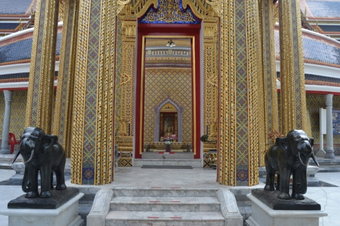 2019-10-tailandia-bangkok-wat-ratchabophit-4