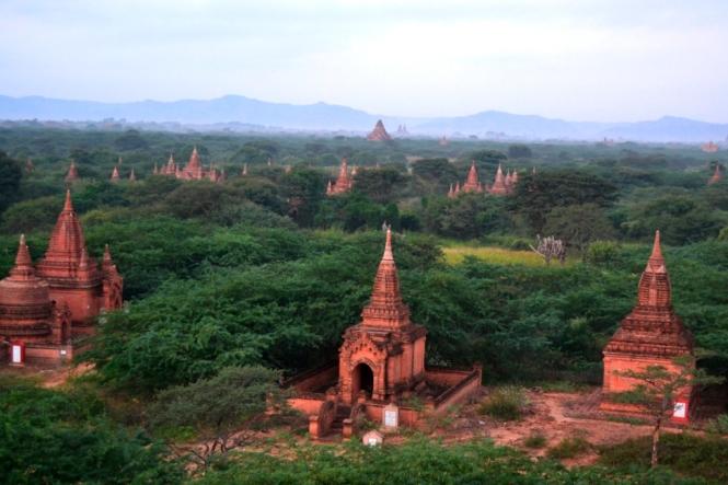 2019, 11 - Bagan Dia 3 09 - Amanecer Pagoda Furtiva cerca Dhammayazaka
