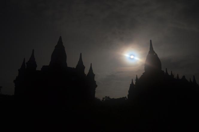 2019-11-myanmar-bagan-amanecer-cerca-upali-08