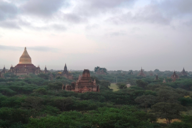 2019-11-myanmar-bagan-amanecer-pagoda-furtiva-dhammayazaka-04 - copia