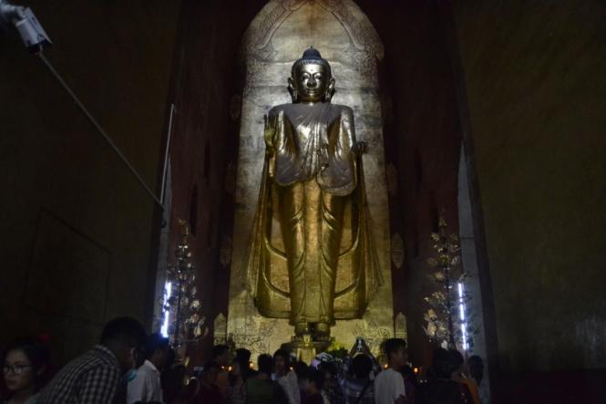 2019-11-myanmar-bagan-ananda-paya-08