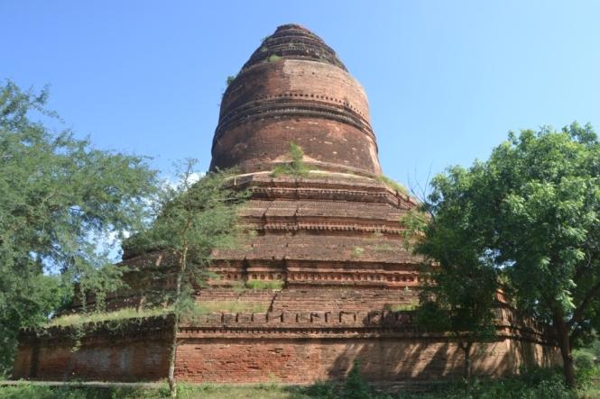2019-11-myanmar-bagan-inn-hpaya
