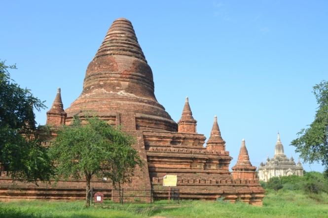 2019-11-myanmar-bagan-mahazedi-pagoda-1