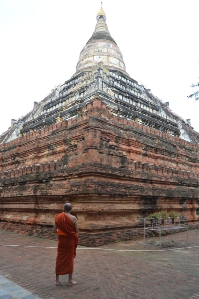2019-11-myanmar-bagan-shwesandaw-pagoda-1