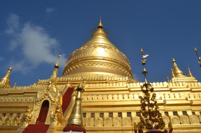 2019-11-myanmar-bagan-shwezigon-pagoda-08