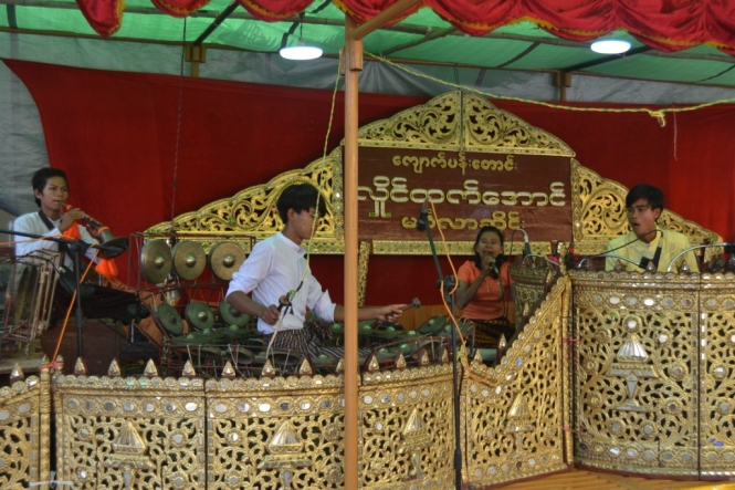 2019-11-myanmar-bagan-shwezigon-pagoda-10