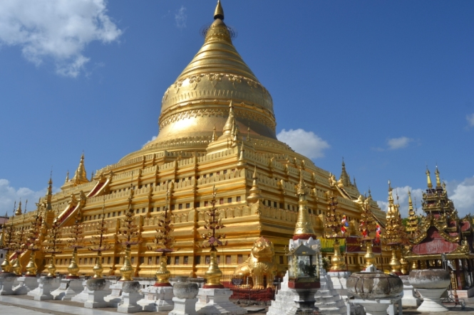 2019-11-myanmar-bagan-shwezigon-pagoda-11