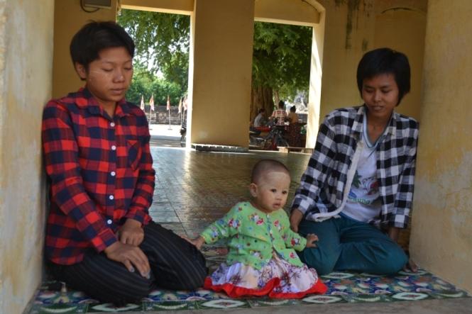 2019-11-myanmar-bagan-shwezigon-pagoda-13