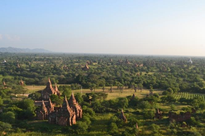 2019-11-myanmar-bagan-viewing-tower-2