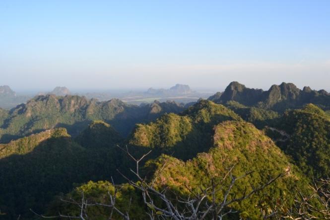 2019-11-myanmar-hpa-an-monte-zwekabin-07-vistas