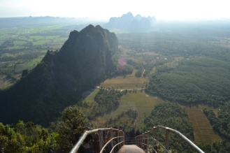 Hpa-An - Monte Taung Wine