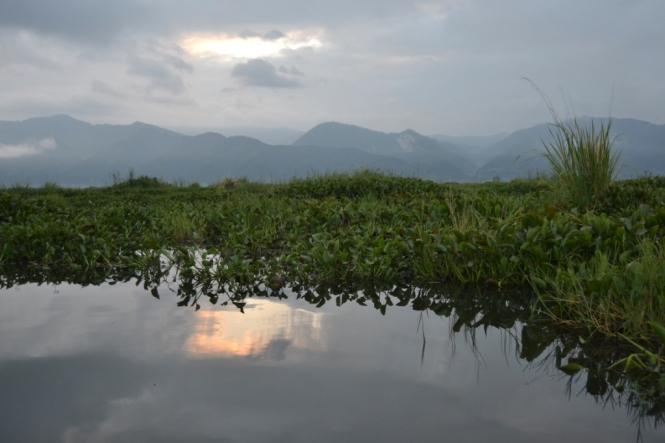 2019-11-myanmar-lago-inle-tour-barca-06-amanecer