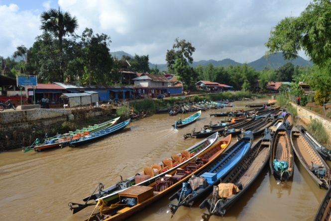 2019-11-myanmar-lago-inle-tour-barca-19-indein