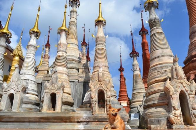 2019-11-myanmar-lago-inle-tour-barca-35-shwe-indein-paya