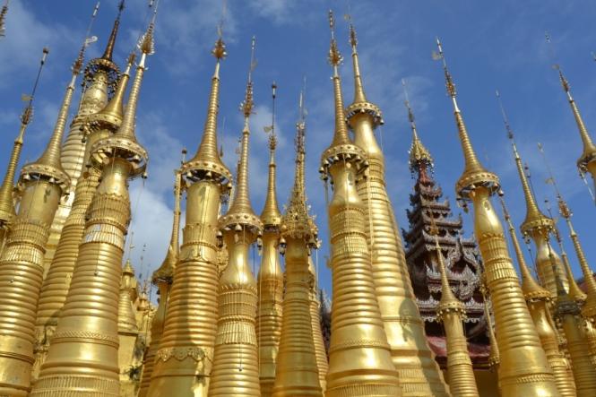 2019-11-myanmar-lago-inle-tour-barca-37-shwe-indein-paya